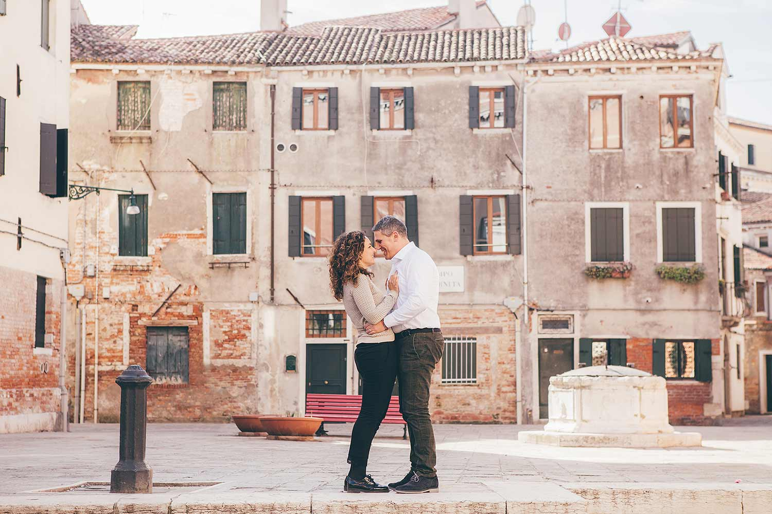 engagement photo shooting in Venice