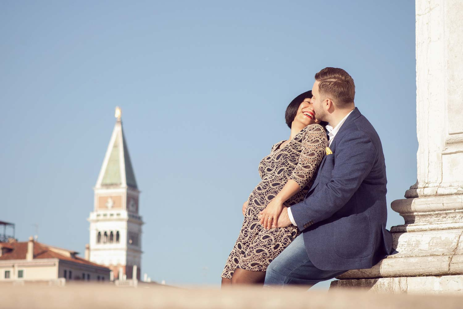 Maternity photo in Venice